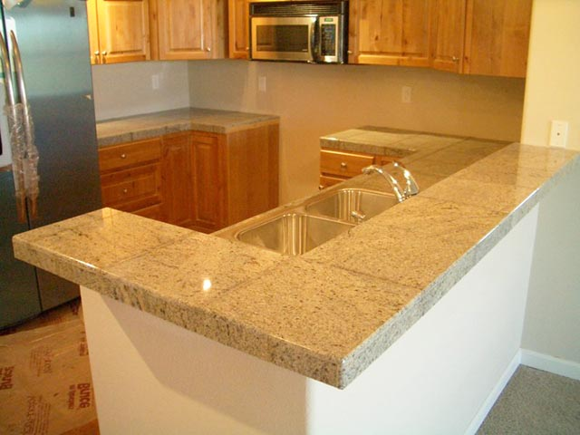 11. 12X12 POLISHED GRANITE TILES WITH POLISHED EDGEWORK